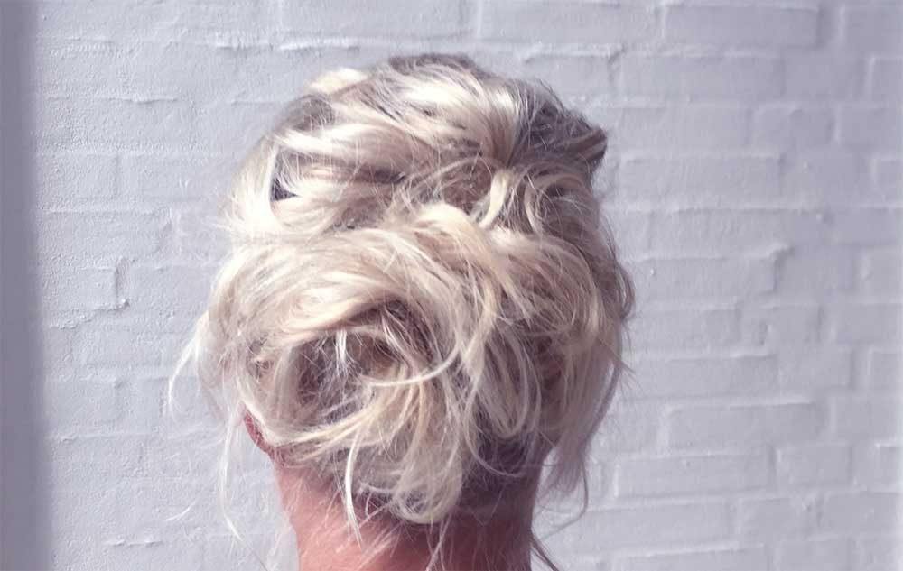Sådan får du et smukt askeblond hår